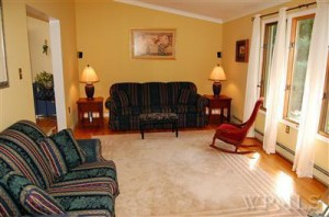 Home Staging brings Multiple Offers on a House - Living Room listing picture
