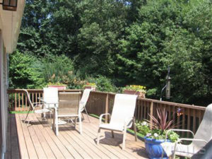 Home Staging brings Multiple Offers on a House - Deck listing picture
