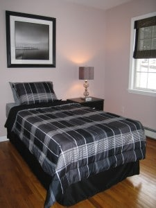 Staged Homes Sell Faster - vacant bedroom after staging