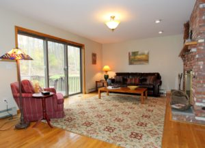Home Buyers: Home Staging Makes Houses Memorable - Family Room After Home Staging