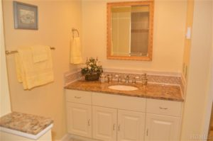 Home Staging Heritage Hills - Bathroom After Home Staging