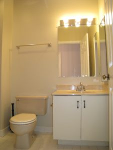 Master Bath Before - Home Staging Cortlandt Manor