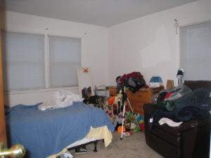 Home staging believer's lower bedroom before home staging